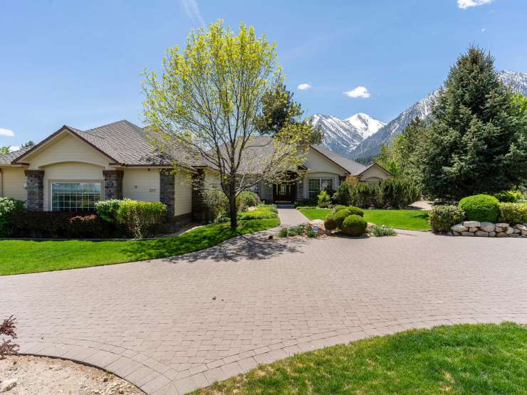 217 Sierra Country Circle